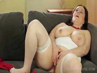 Big Tits Chubby Masturbating Mature Mom Natural Orgasm Solo Stockings