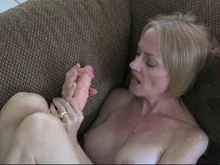Dildo Mature Mom Toy