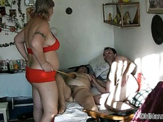 Amateur  Hairy Threesome