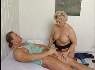 Massage Mom Old And Young