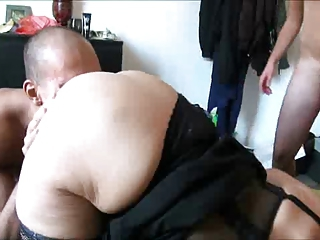 Amateur Chubby European French Licking Threesome