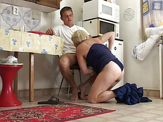 Blowjob Kitchen Mom Old And Young