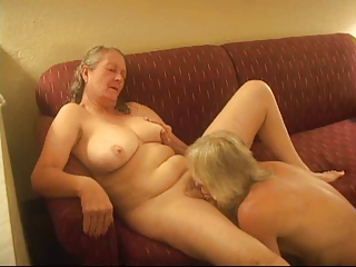 Amateur Cuckold Homemade Licking Older Wife