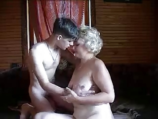 Amateur Homemade Mom Old And Young Russian
