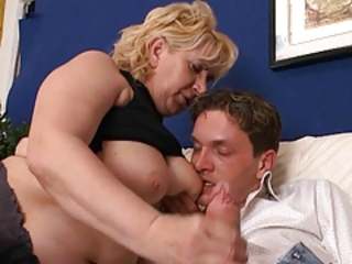 Chubby European Handjob Italian Mom Old And Young