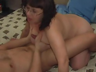 Amateur Glasses Mom Old And Young Tits Job