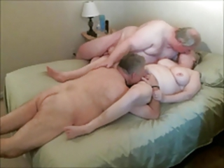 Amateur Cuckold Homemade Licking Older Threesome Wife