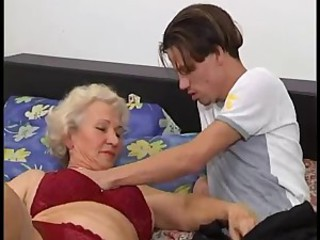 Amateur Lingerie Mom Old And Young