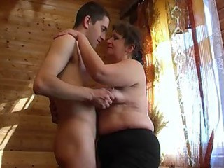 Amateur Chubby Mom Old And Young Russian
