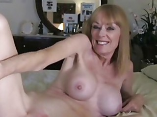 Amateur Mature Mom Skinny