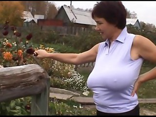 Amateur Big Tits Farm Mature Natural Nipples Outdoor