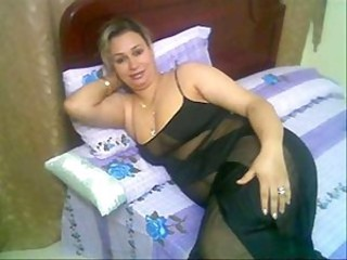 Amateur Arab  Homemade Mature Wife