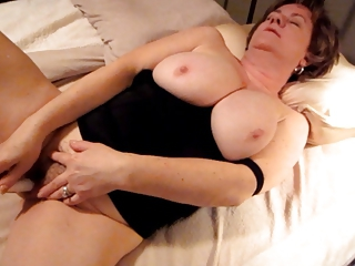 Amateur Big Tits Chubby Homemade Masturbating Mature Natural Solo Toy Wife