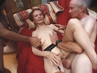 Hardcore Interracial Skinny Threesome