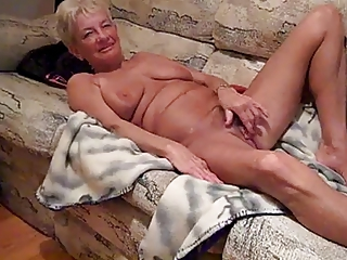Amateur Homemade Masturbating Mom