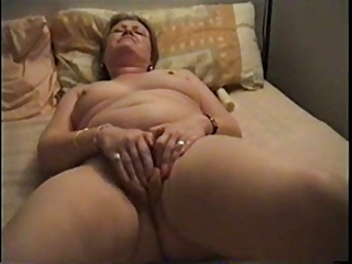 Amateur Chubby Homemade Masturbating Solo Wife
