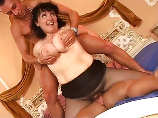 Big Tits Chubby Hardcore Natural Old And Young Pantyhose Riding Threesome