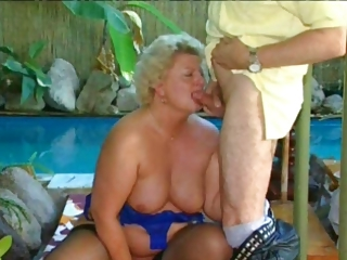 Blowjob Chubby Pool