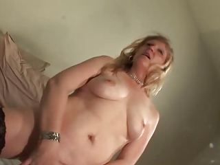 Amateur Blonde Homemade Masturbating