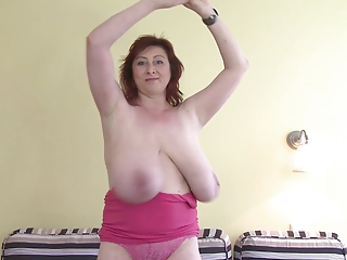 Amateur Big Tits Chubby Dancing Mature Natural