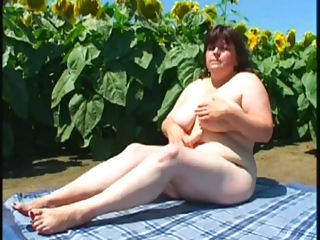 Amateur Big Tits Chubby Farm Natural Outdoor  Toy