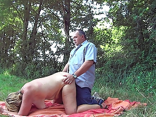 Amateur Chubby Doggystyle Older Outdoor  Wife