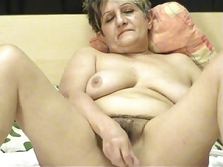 Hairy Masturbating Mom  Solo Webcam