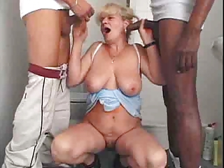 Bathroom Big Cock Blowjob Interracial Mom Old And Young Threesome