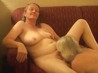 Amateur Homemade Lesbian Licking Wife