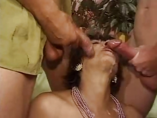 Big Cock Cumshot Mom Old And Young Swallow Threesome
