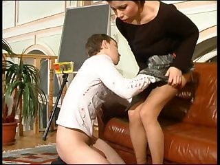 Videos from russianmomporn.com