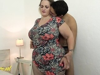 Videos from maturemoms.tv